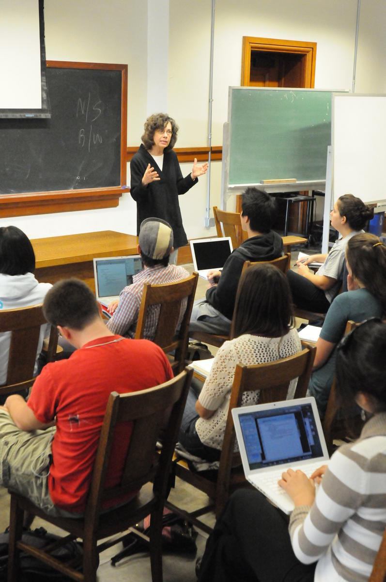 Kathleen Moran teaching students